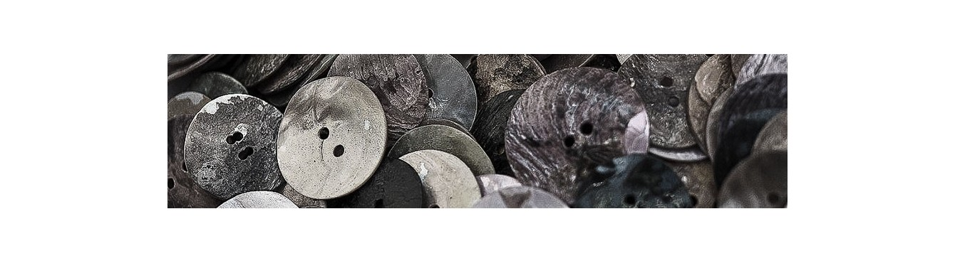 Shell Buttons - Grey  - Black